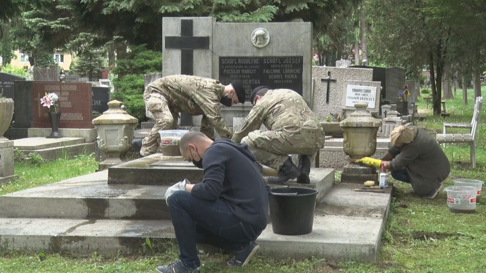 Hadisírokat tisztítottak a hétvégén a Tripammer utcai ...