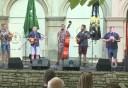 Délszláv zene csendült fel a Károlyi-kertben
