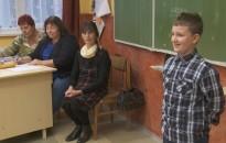 Karácsonyi versmondó versenyt rendeztek a Kőrösi-iskolában