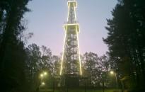 Kivilágították a tornyot (Fotókkal frissítve)