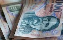 A magyar munkavállalók 14 százaléka kap év végén 13. havi fizetést egy felmérés szerint
