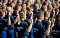 BM: újabb 5 százalékkal emelkedett a hivatásos állományú rendőrök bére
