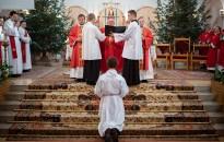 Szerpappá szentelték a kacorlaki Koszoru Pétert