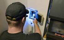 Az önkormányzati bérlakásokba a katasztrófavédelem kéményseprőit kell hívni