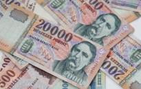 Szakértő: körülbelül a másfélszeresére nőttek a bankolási díjak 2013 óta