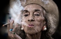 Csak a 100 éven felülieknek engedélyeznék a dohányzást Hawaiin