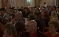 A hagyományos szülők-nevelők bálját tartotta a hétvégén a Kőrösi-iskola
