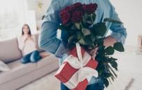 Ajándékoznak, utaznak és szexelnek a párok Valentin-napon