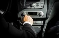 10 rossz autós szokás, amik nem biztonságosak vagy ártanak az autónak