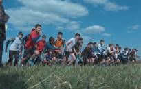 Több mint 400 diák futott versenyt tegnap a kiskanizsai repülőtéren