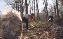 A cserfői hegyháton és az odavezető úton is megtisztították a környezetet