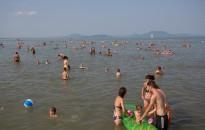 Öt balatoni település szabad strandjai újulnak meg nyárig