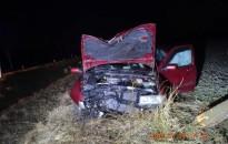 Személyautóval árokba csapódott egy 28 éves nő, egyik utasa súlyosan megsérült
