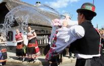 Néprajzkutató: az ünnepi hagyományok sokszor a virtuális világban élnek tovább