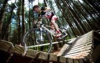 Hegyikerékpáros verseny a Csónakázó-tónál