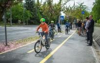 Horvát-magyar együttműködésben avattak kerékpárutat Zalakaroson