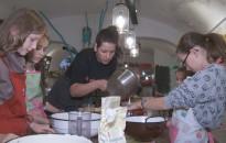 Kétfogásos ebédet készítettek a diákok a Kölyökkonyhában