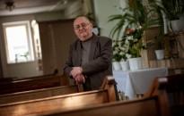 Minden élet érték – Négy évtizednyi lelkipásztori szolgálatáért tüntették ki Szabó Ádám atyát
