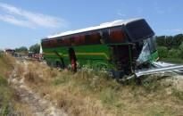 Daciaval busznak ütközött egy olasz sofőr az M7-esen