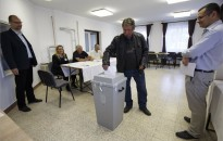 EP-választás - Szavazás a legkisebb szavazókörben a Zala megyei Iborfián