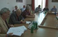 Támogatja a város tavalyi költségvetési maradványának tervezett felosztását a városfejlesztési és üzemeltetési bizottság