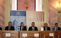 Laikus bírák a nép soraiból: zalai ülnökök tettek ünnepélyes esküt a Zalaegerszegi Törvényszéken