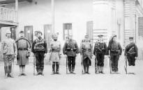 Magyar katonák Tiencsin utcáin