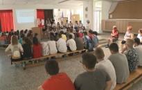 A Hunyadiak nyomába eredtek a Kiskanizsai-iskola hetedikesei