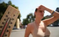 Hőség - A meteorológiai szolgálat első- és másodfokú figyelmeztetéseket adott ki csütörtökre