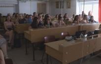 Filmvetítéssel, ügyességi és sport feladatokkal búcsúztatták a tanévet a Thúry-iskolában