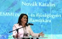 Novák: a kormány azt szeretné, hogy évről-évre mindig egyre könnyebb legyen a családalapítás