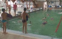 Kaland az élet a Délzalai Vízmű SE úszótáborában