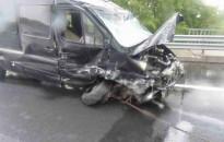 Felborult egy Mercedes az M7-esen, ketten súlyosan megsérültek