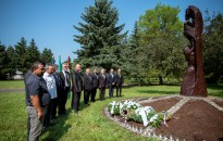 """""""Nem követtek el semmit, csak útban voltak..."""" – a roma holokauszt áldozataira emlékeztek"""