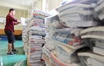 Naponta kétszáz iskolába szállítja ki a tankönyveket a Magyar Posta