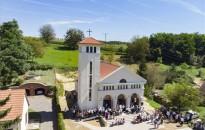 Új templomot szenteltek Csapiban