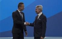 Szijjártó: a jelenlegi Európai Bizottságban az a legjobb, hogy lecserélődik
