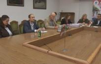 A bizottság ismét döntött