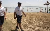 Kirívó bűncselekmény nem történt a nyáron sem a Balatonnál, sem a Velencei-tónál