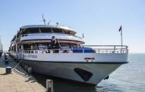 Hétfőtől őszi menetrend szerint közlekednek a balatoni hajók és kompok