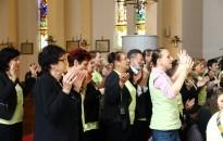 Örömmel szolgálnak az Úrnak