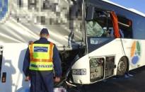 Hétfőtől fokozottan ellenőrzi a teherautókat és a buszokat a rendőrség