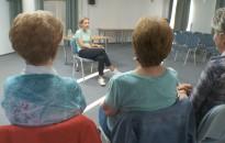Az időskori látásromlásról tarott előadást a napokban Dr. Kiss Annamária a városi könyvtárban