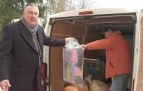 Teherautónyi adomány érkezett a csapi iskolába