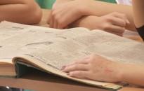 145 év - A cikkeket is gyűjtik a zrínyis diákok