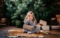 A sok ajándék kielégíthetetlen mohóságot okozhat a gyermekben