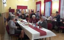 Felhőtlen szórakozással búcsúztattak az óévet a vasutas nyugdíjasok