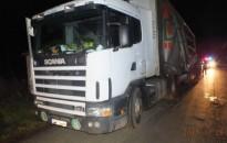 Italozóba menekült a rendőrök elől a jogsi nélkül vezető kamionos