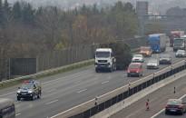 Január 31-én 2,5 millió, éves autópálya-matrica jár le