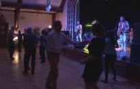Sokan táncra perdültek a Retro Kávéházi Estéken